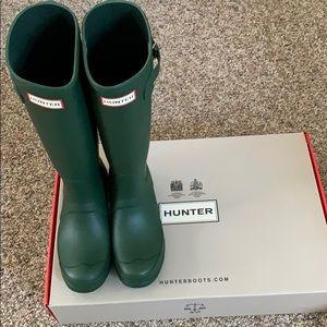 Hunter boots tall. Women's size 6